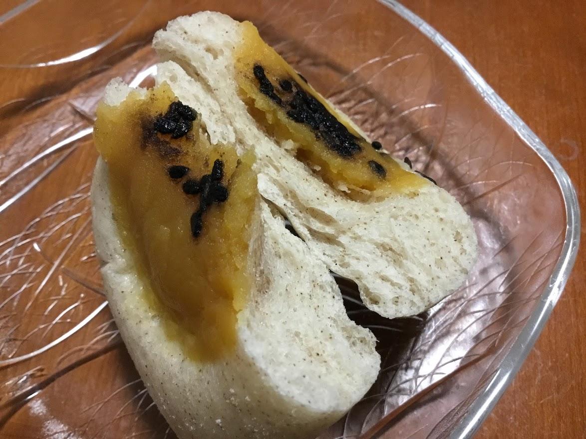ローソン大麦のしっとりパン 安納芋あん