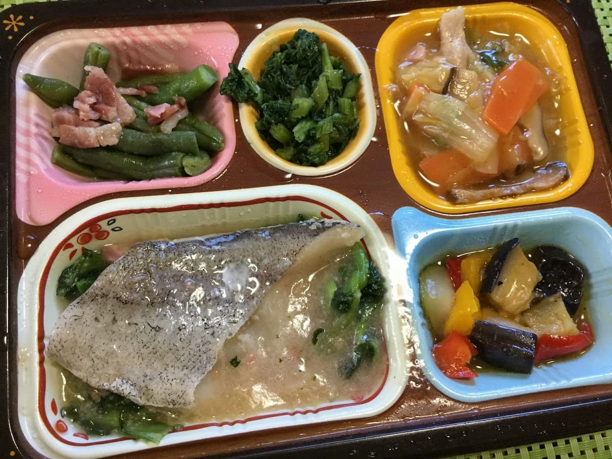食宅便低糖質セレクト鱈(タラ)のカニあんかけと豚肉の野菜旨煮